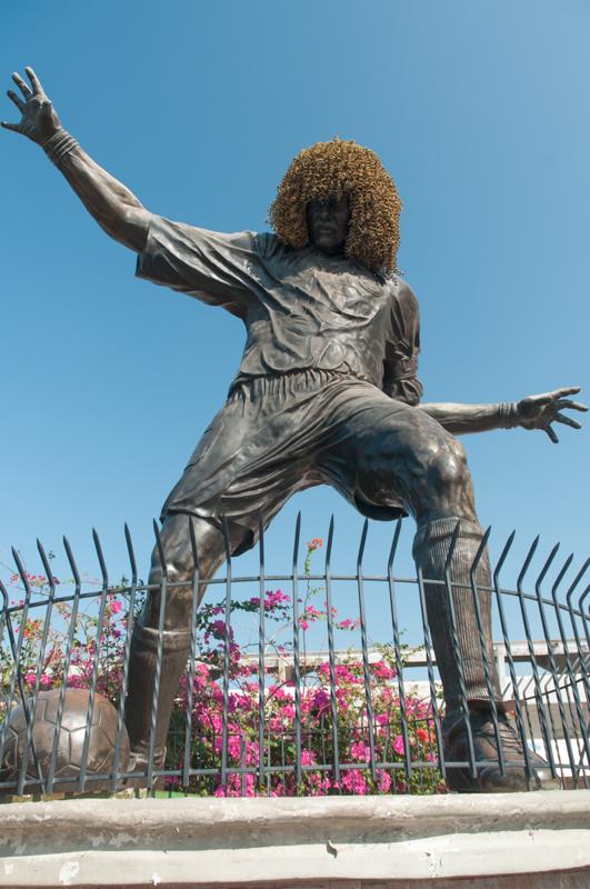 """Statue du """"Pibe"""", Carlos Valderrama, légende du foot colombien ; Santa Marta"""