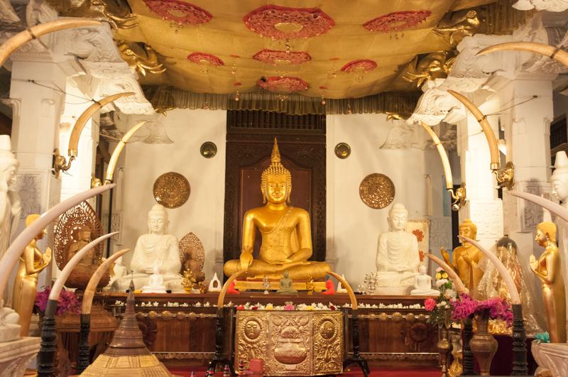 Temple de la Dent du Bouddha, Kandy